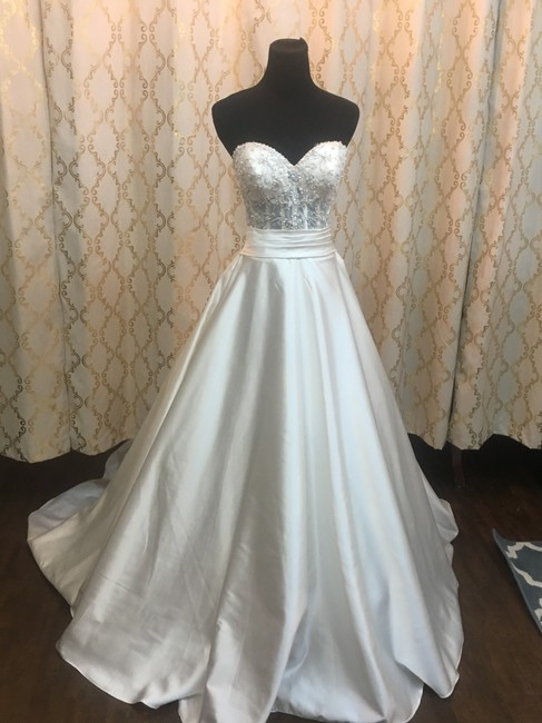 Item - Iv/Silver Beaded/Satin 8904 Formal Wedding Dress Size 4 (S)