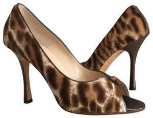 Manolo Blahnik brown animal print Pumps