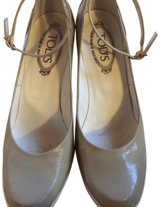 Tod's Beige Pumps
