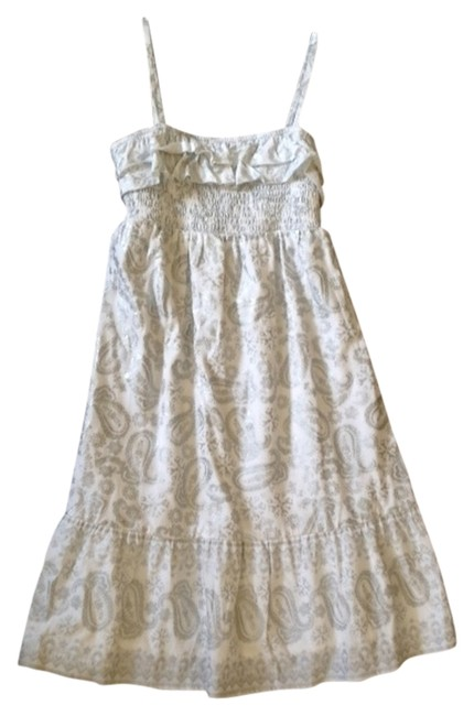 Item - White and Silver Mid-length Short Casual Dress Size 16 (XL, Plus 0x)