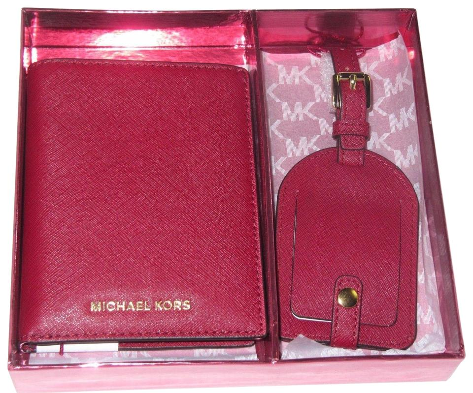 2957f74c3086 Michael Kors Boxed Gift Set Passport Case Luggage Tag Cherry Red ...