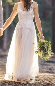 BHLDN Ivory Lace and Tulle Reagan Gown Feminine Wedding Dress Size 0 (XS)