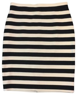 Barneys New York Skirt Black and white