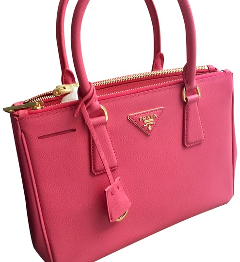 Preload https://item3.tradesy.com/images/prada-galleria-double-new-collection-saffiano-lux-zipper-executive-pink-leather-cross-body-bag-22660307-0-2.jpg?width=440&height=440