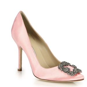 Manolo Blahnik Crystal Embellished Satin Light pink Pumps