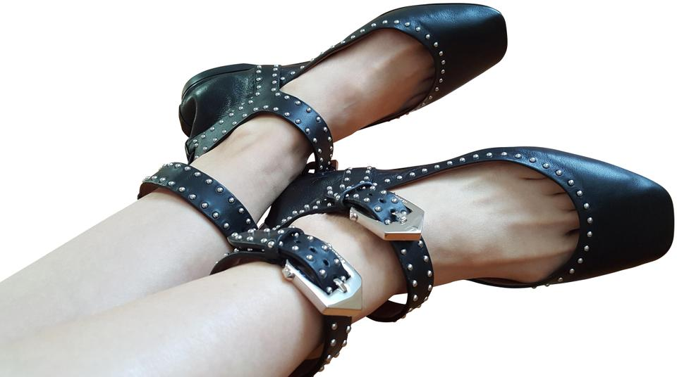 Givenchy Black Elegant Soft Dual wrapped Studded Leather Ballerina Flats Size US 6 Regular (M, B)