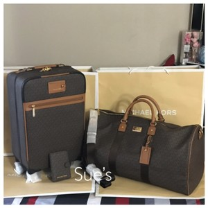 bb0026c2c89d Get Brown Michael Kors Weekend & Travel Bags for 70% Off or Less at ...