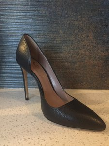 Vero Cuoio Never Worn Patterned Stiletto Almond Toe Black Pumps