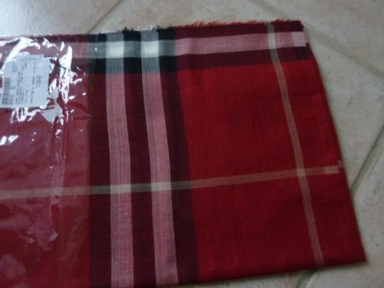 Burberry $395 BURBERRY Ladies Lightweight Check Wool and Silk Pattern Scarf RED
