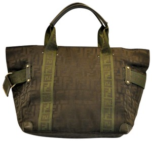 Fendi Tote in green