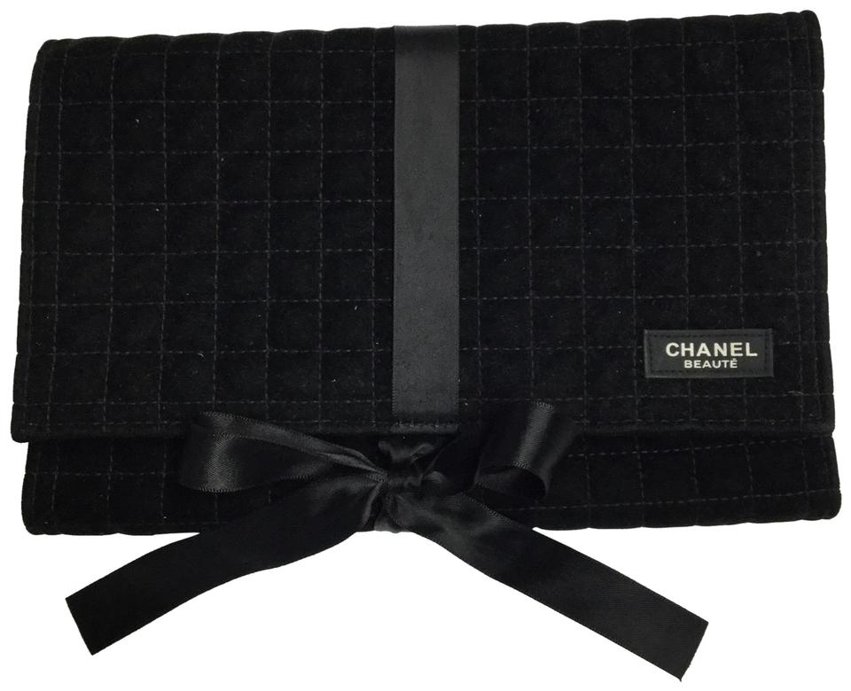a3f7b0eb5391 Chanel Beaute Black Quilted Velvet Makeup Cosmetic Bag - Tradesy