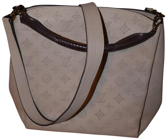 Preload https://img-static.tradesy.com/item/22670896/louis-vuitton-babylone-mahina-stunning-pm-like-new-galet-leather-hobo-bag-0-1-540-540.jpg