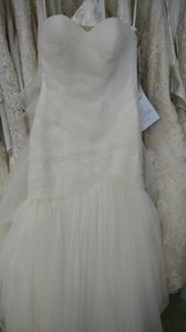 Essense of Australia Ivory Tull 1541 Formal Wedding Dress Size 10 (M)