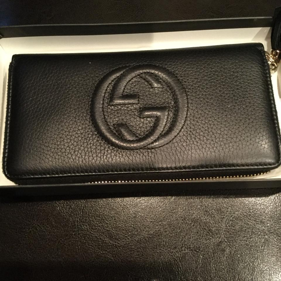7c309567779c5a Gucci Authentic Gucci Soho Black Leather Zip Around Wallet Clutch Image 0  ...