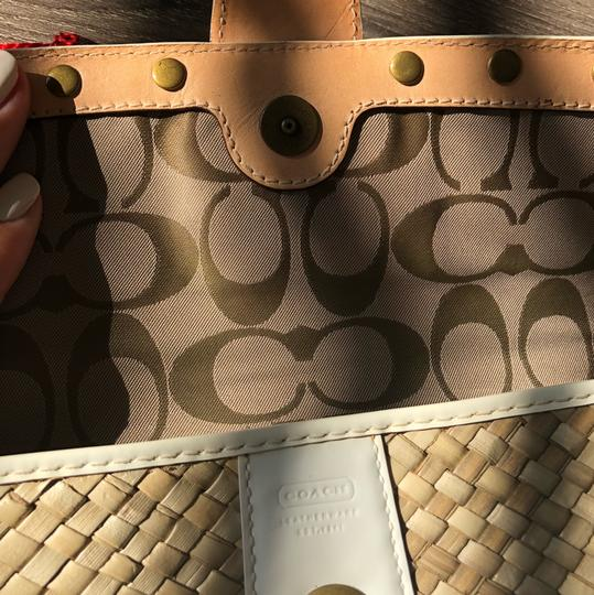 Coach White Patent and Natural Clutch Image 5