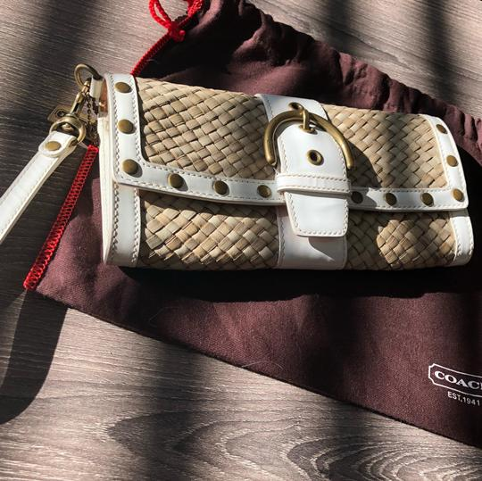 Coach White Patent and Natural Clutch Image 8