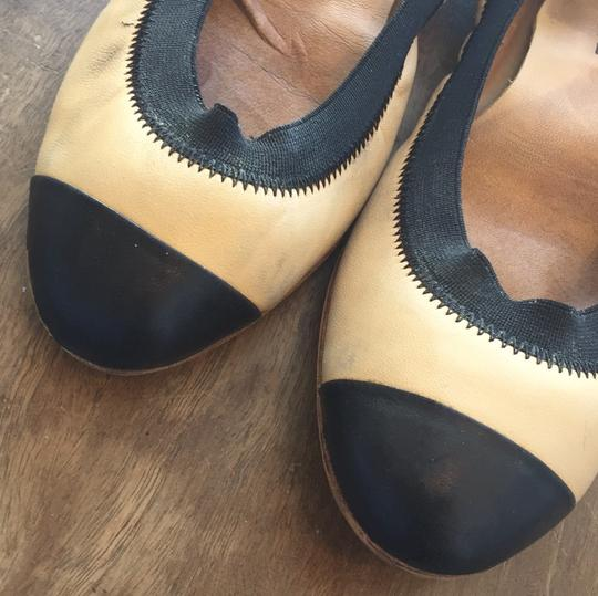 Chanel Leather Ballet Spirit tan and black Flats Image 3