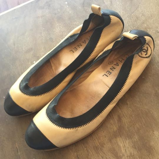 Chanel Leather Ballet Spirit tan and black Flats Image 1