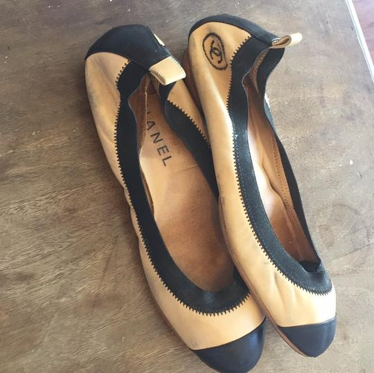 Chanel Leather Ballet Spirit tan and black Flats Image 5