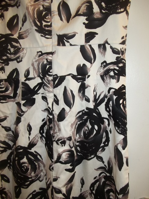 New Directions short dress black white grey Bold Floral & Office on Tradesy Image 4