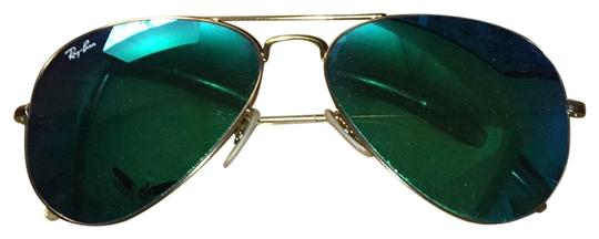 Preload https://img-static.tradesy.com/item/22674426/ray-ban-green-mirrored-lens-sunglasses-0-1-540-540.jpg