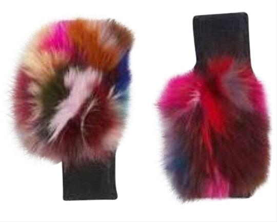 Preload https://img-static.tradesy.com/item/22675238/jocelyn-jocelyn-fingerless-fur-gloves-like-new-22675238-0-1-540-540.jpg