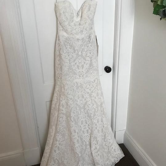 Alvina Valenta Ivory Lace Modern Wedding Dress Size 8 (M)