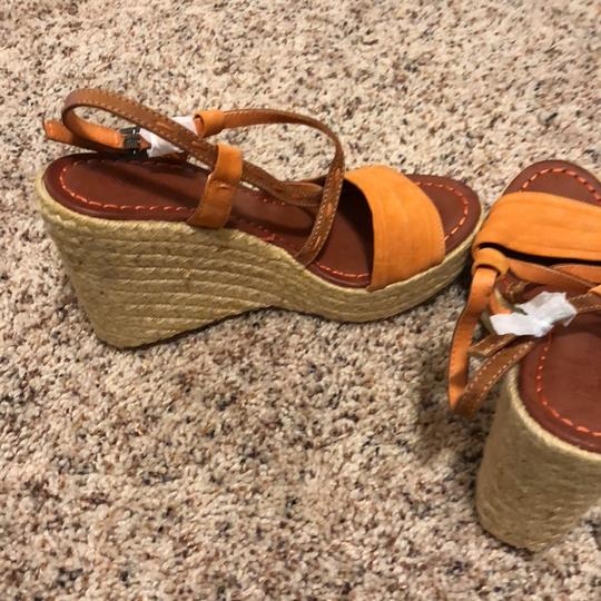 Kelly & Katie tan with orange Wedges