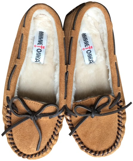 Preload https://img-static.tradesy.com/item/22677087/minnetonka-brown-mocassins-flats-size-us-6-regular-m-b-0-1-540-540.jpg