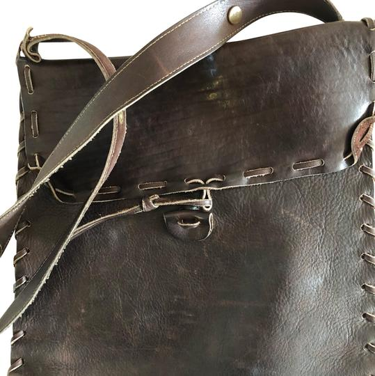 Preload https://img-static.tradesy.com/item/22677098/fits-a-ipad-perfectly-brown-leather-shoulder-bag-0-1-540-540.jpg