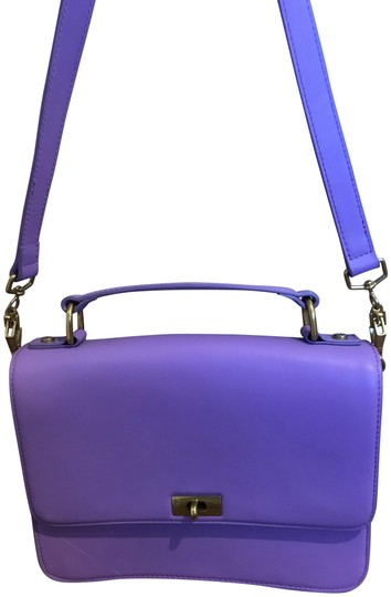 Preload https://img-static.tradesy.com/item/22677580/jcrew-edie-purple-leather-shoulder-bag-0-1-540-540.jpg
