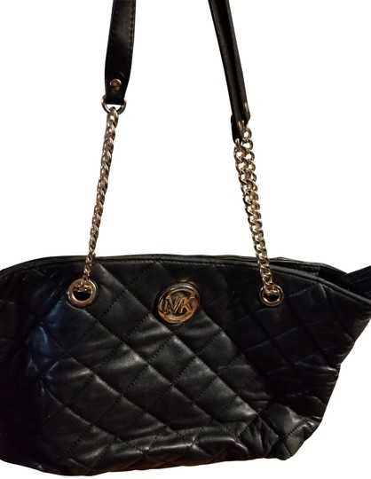 Preload https://img-static.tradesy.com/item/22677678/michael-kors-quilted-soft-lambskin-black-leather-tote-0-1-540-540.jpg