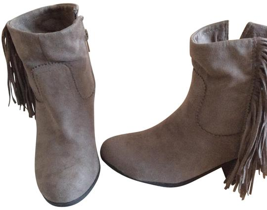 Preload https://img-static.tradesy.com/item/22677974/pink-and-pepper-brown-tan-new-faux-suede-fringed-brown-bootsbooties-size-us-6-regular-m-b-0-1-540-540.jpg