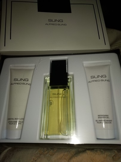 Alfred Sung New in box Alfred Sung fragrance set