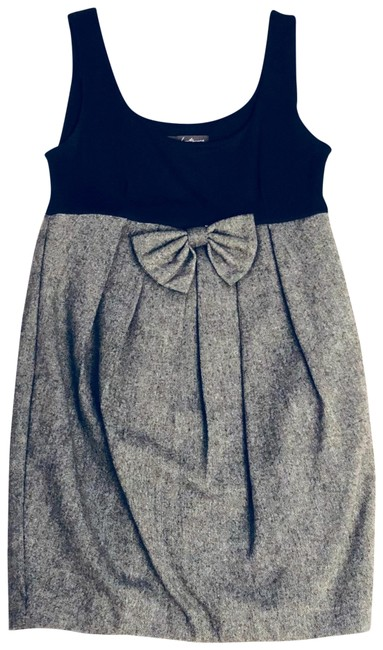 Preload https://img-static.tradesy.com/item/22678218/forever-21-black-tweed-center-bow-short-workoffice-dress-size-4-s-0-1-650-650.jpg