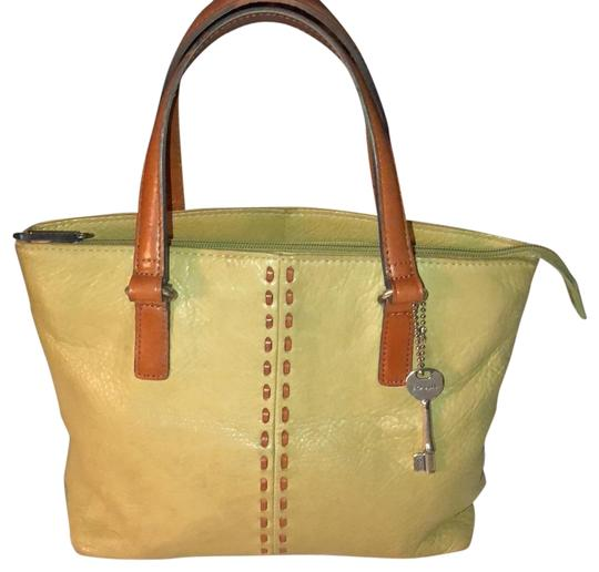 Preload https://img-static.tradesy.com/item/22678459/fossil-tote-b-green-pebbled-leather-satchel-0-1-540-540.jpg