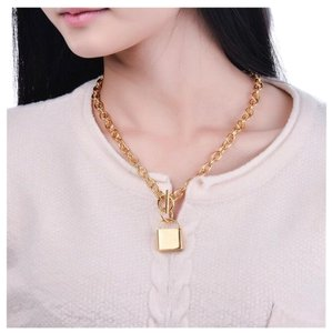 Queenesthershop Brand New Stainless Steel Gold Choker Necklace For Women Unique Lock Pendant Women Necklace