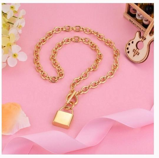 Queenesthershop Brand New Stainless Steel Gold Choker Necklace For Women Unique Lock Pendant Women Necklace Image 2