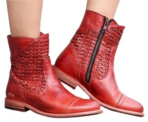 Bed|Stü Red Boots