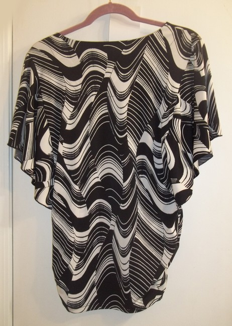JM Collection Gathered Bold Stretchy Sequin Flowy Top black white Image 4