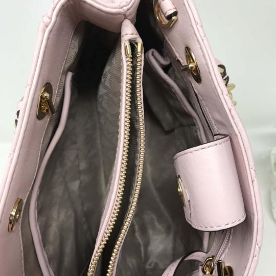 Michael Kors Discounted Tote in Pink Image 5