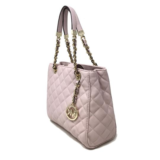 Michael Kors Discounted Tote in Pink Image 8