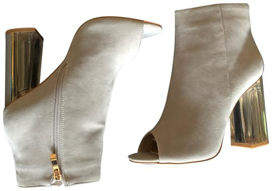Preload https://img-static.tradesy.com/item/22680967/gray-jessie-suede-perspex-heel-bootsbooties-size-us-8-regular-m-b-0-1-540-540.jpg
