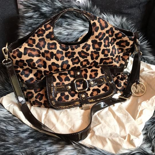 Michael Kors Calf-hair Patent Leather Tote in Leopard print Image 11