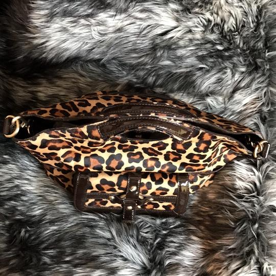 Michael Kors Calf-hair Patent Leather Tote in Leopard print Image 7