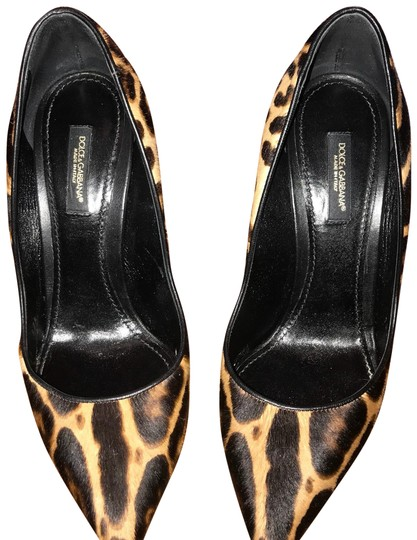 Preload https://img-static.tradesy.com/item/22681290/dolce-and-gabbana-black-brown-leopard-pumps-size-eu-375-approx-us-75-regular-m-b-0-1-540-540.jpg