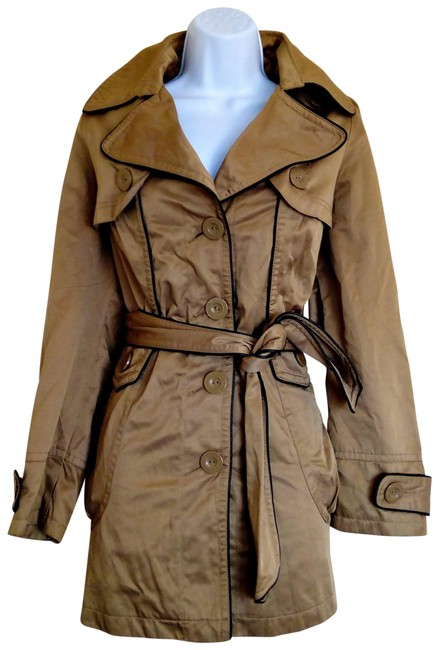 Preload https://img-static.tradesy.com/item/22681320/tan-belted-silky-imitation-leather-coat-size-12-l-0-1-650-650.jpg