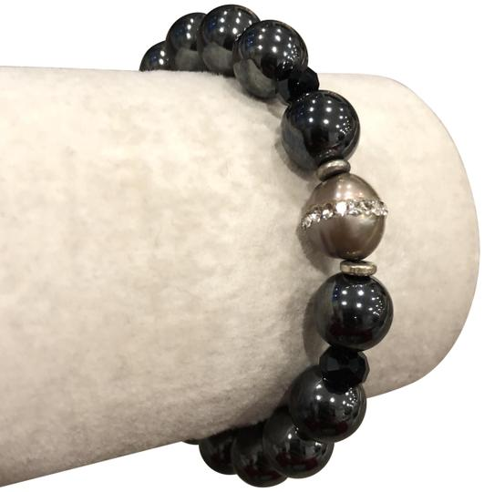 Preload https://img-static.tradesy.com/item/22681560/chan-luu-hematite-new-black-mix-pull-tie-bracelet-0-1-540-540.jpg
