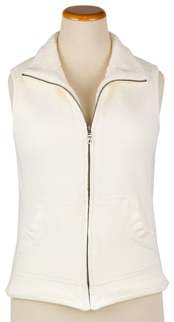Preload https://img-static.tradesy.com/item/22682374/coldwater-creek-cream-faux-sherpa-lined-outside-pockets-vest-size-6-s-0-1-650-650.jpg