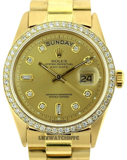 Preload https://item3.tradesy.com/images/rolex-2ct-36mm-day-date-18k-gold-with-box-and-appraisal-watch-22686122-0-1.jpg?width=440&height=440